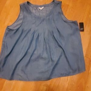NWT Crown and Ivy Pleated Top XL